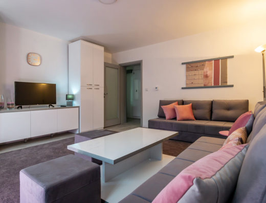 Apartment PINK